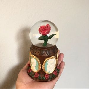 beauty & the beast musical rose snow globe ❤️